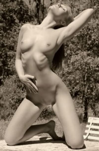 Classic sepia toned nude in the desert